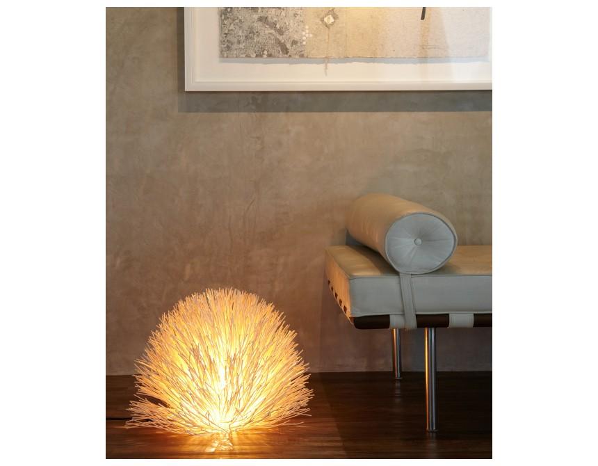 lampe de table en bois de rotin pour une ambiance raffin e. Black Bedroom Furniture Sets. Home Design Ideas