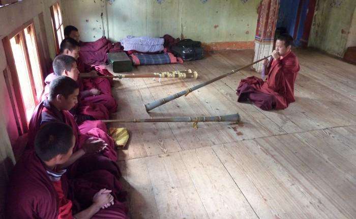 Bhoutan-coussin-meditation-sol-spiritopus